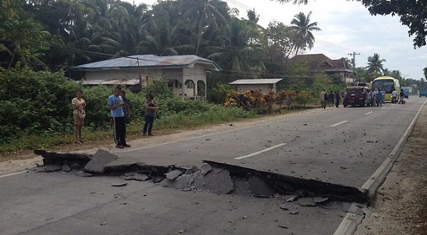 philippines-earthquake-7.2